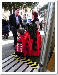 Doki x és a kisfiú, ha jól látom, egy  kisdalek talán?! :)